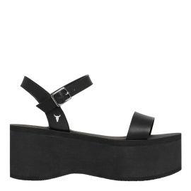 black flatform sandal